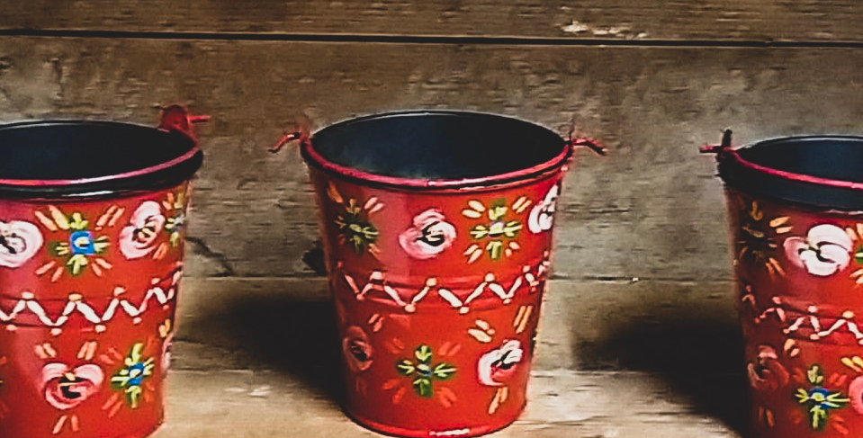 Romany Rose Small Pot Red