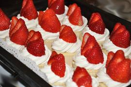strawberry+cheesecakes+cupcakes1.jpg