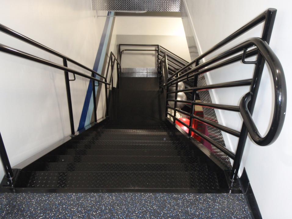 #47 Stairway with railing (2).JPG