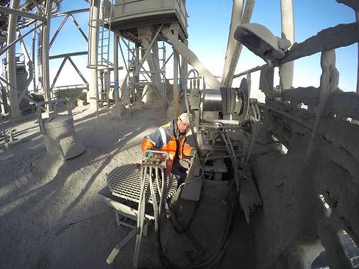 Nettoyage des silos et trémies Melasco Sarl