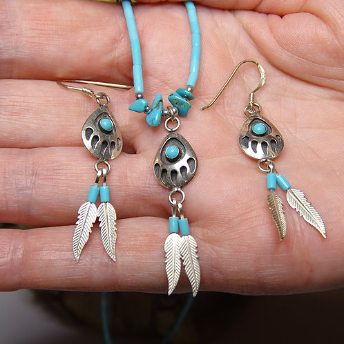 BEAR PAW NECKLACE & EARRINGS WITH TURQUOISE & FEATHERS (STERLING SILVER)