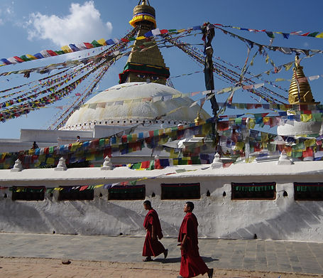 Buddanath Stupa 2 Lamas .jpg