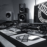 TrueBusyness - No.1 Mix & Mastering Studio in Berlin / Germany