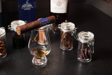 2017 11 28_The Final Smoke and Rum Toast_WR-8571.jpg