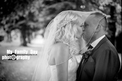 The Kiss Wedding Session