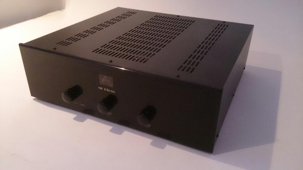 ALL BLACK M6 Phono2.jpg