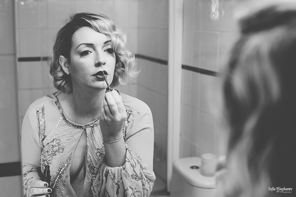 Bride photographed getting ready before her wedding day in Mallorca