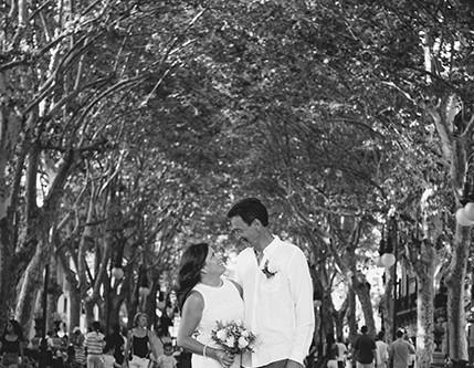 Intimate city wedding in Palma de Mallorca