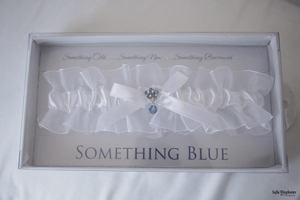 Something blue, wedding day details