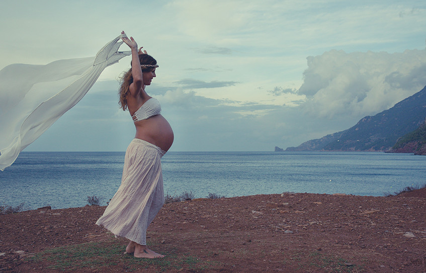 Mallorca maternity photographers