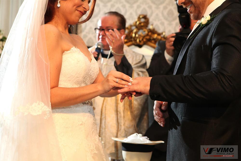 As mãos que casam.