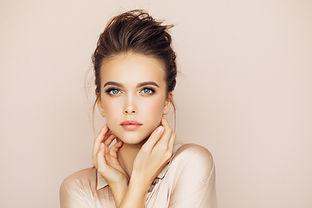 女性モデル