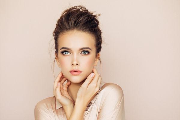 Weibliches Modell