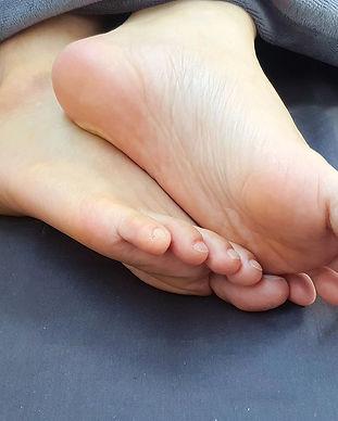feet-5382164_1920.jpg
