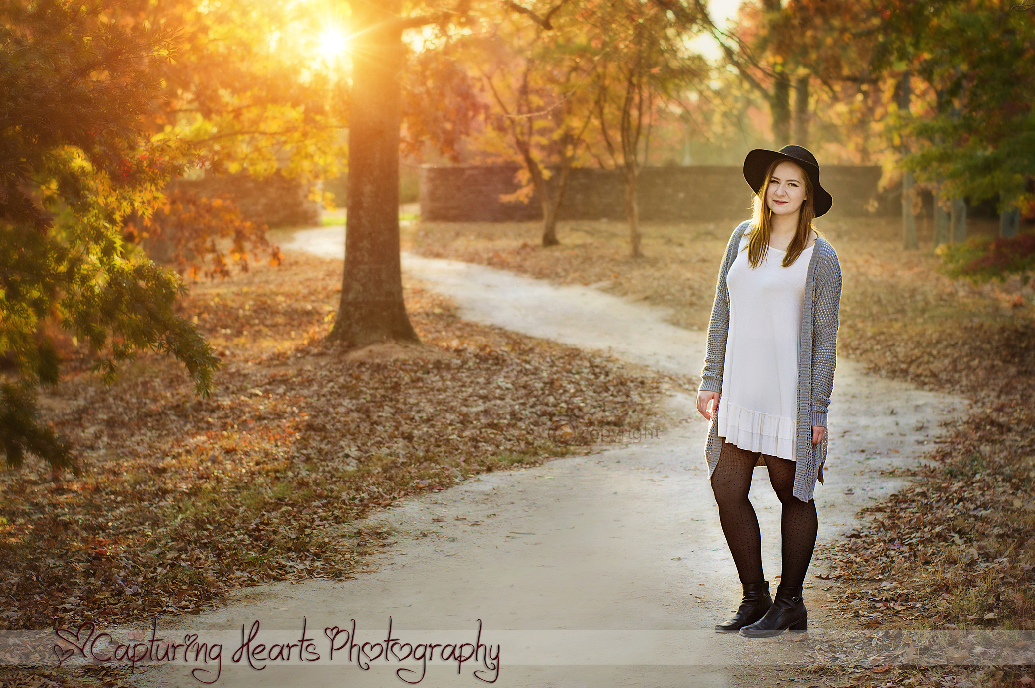 beautiful senior session knoxville tennessee screen standing in path