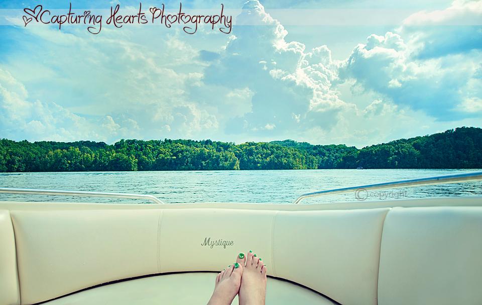 Barefeet+Boating+Photographer+Tellico+Lake