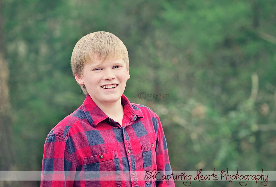 Christmas+Boy+Smiling+Greenback+photographers