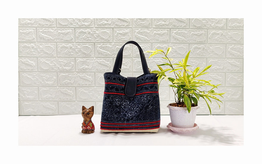 """""""Miniature"""" Hmong Batik Shoulder Bag with Faux Leather"""