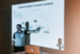 WorldProductTank-2018_AIvsIA-Presenting-