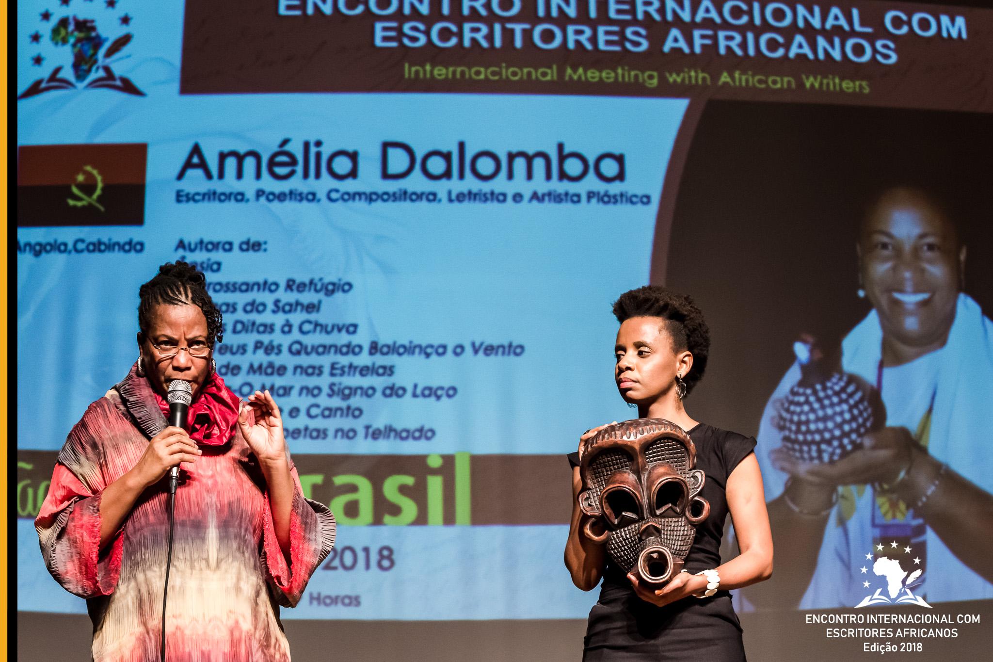 Palestra com Amélia Dalomba