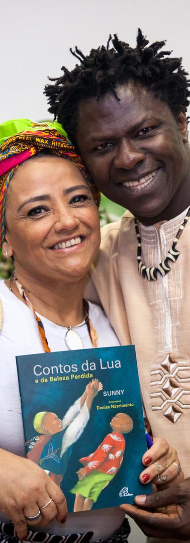 Autor Nigeriano Sunny no evento a Literáfrica