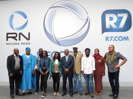 Cônsul Geral de Angola e escritores africanos visitam RecordTV em SP