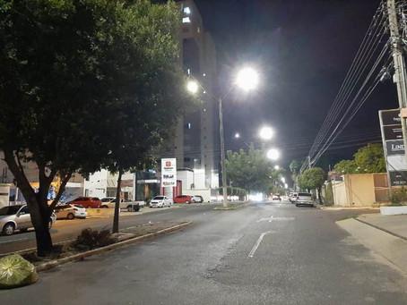 Prefeitura anuncia antecipação de projeto para iluminação pública que pode gerar economia de até 70%