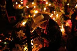 Kerzenschein in der Nacht der Toten - Me