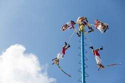 voladores-de-papantla-tulum-mexico-sina-