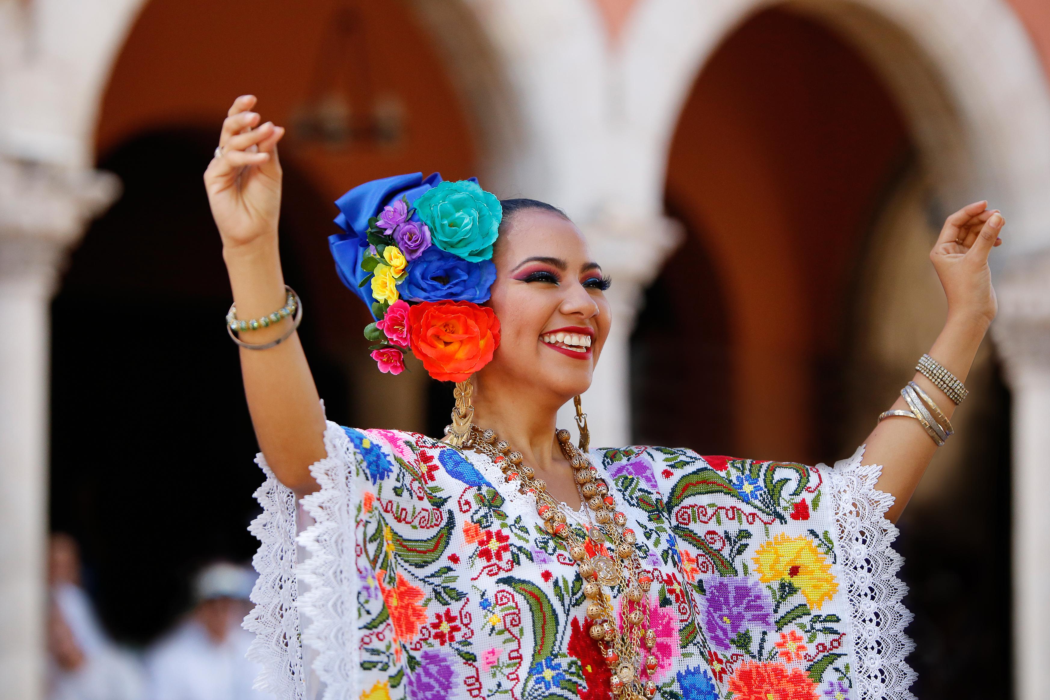 yukatekean-dance-merida-mexico-sina-falk