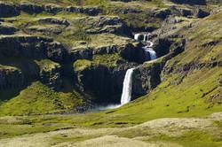 fotoreisen-world-geographic-excursions-island-insel-berufjördur-wasserfall-01-fotoreise