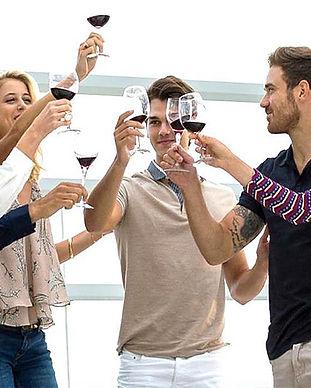 caviste-comite-entreprise-atelier-vin-degustation-entre-collegues.jpg