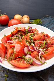 Wij zijn cateraar en maken heerlijke salades.Wij verzorgen graag de catering voor uw borrel, feest of diner.
