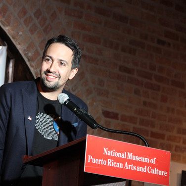 Lin-Manuel Miranda speaking about the crisis in Puerto Rico at the National Museum of Puerto Rican Arts & Culture. Novemeber 2017. © Mary Kroeck