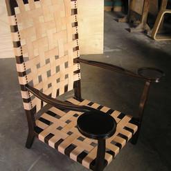 כסא עם רצועות עור - אחרי