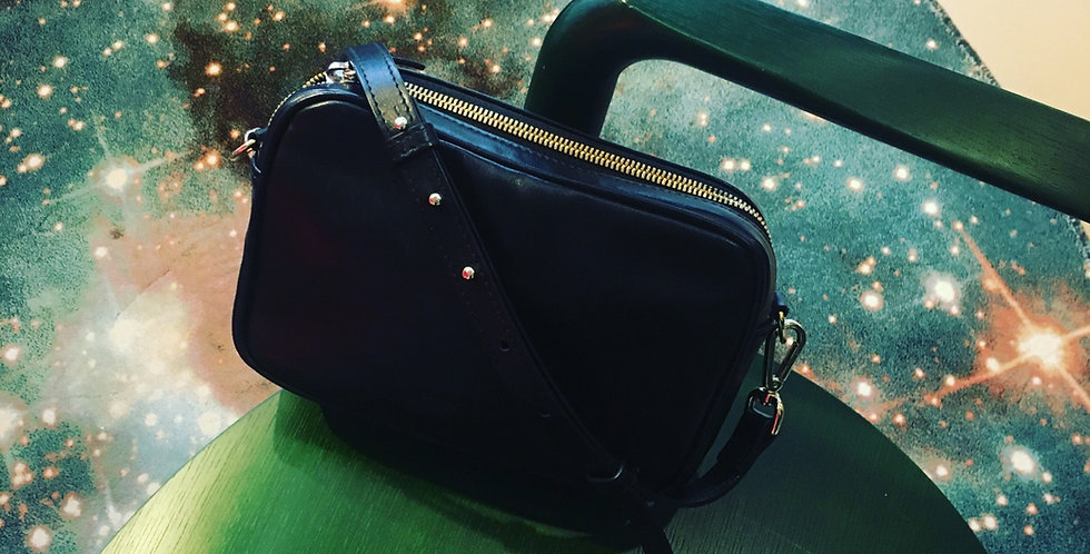New Pouch Black