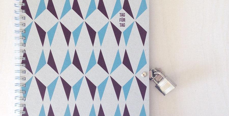 Tagebuch Tag für Tag hellblau