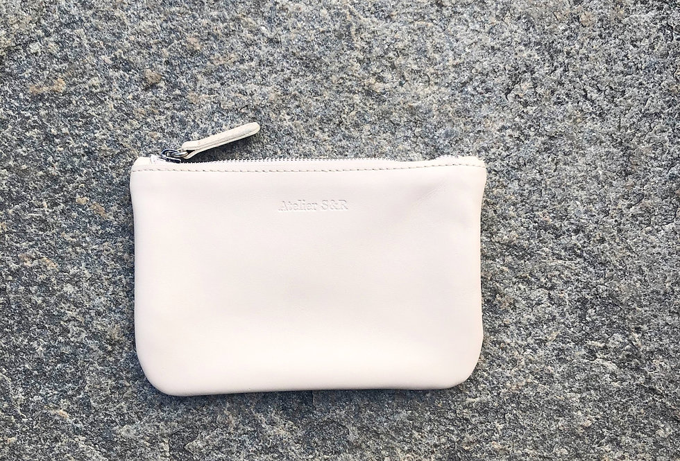 small wallet sand