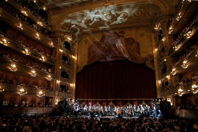 La música de Gustavo Cerati regresó al Teatro Colón