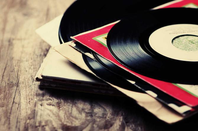 Los vinilos siguen siendo elegidos por la gente para escuchar música