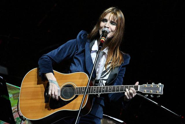 Fabi Cantilo cantará para niños de un hospital