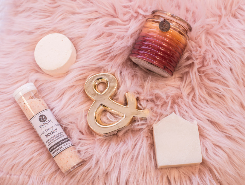 Soap, candle and bathsalts