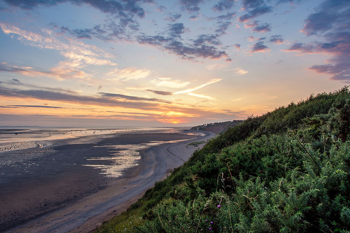 Thurstaston Beach Sunset Wirral UK.jpg