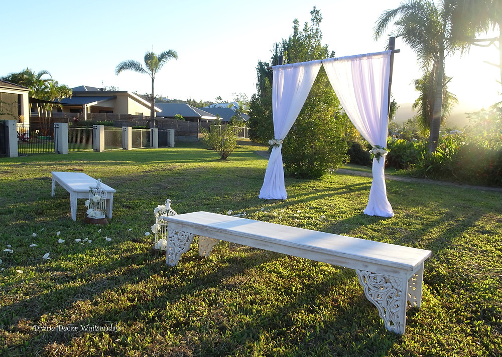 Modern-Vintage-Backyard-Ceremony