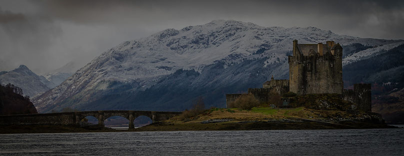 Eilean%20Donan%20Castle%20on%20a%20cloud