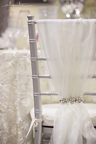 Sheers with jewel clips