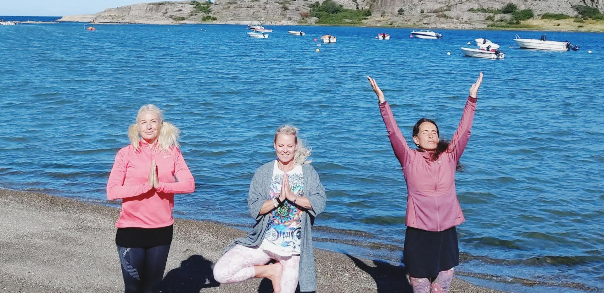 Yoga på stranden, Resö - Dansande krigar