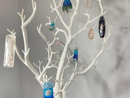 Pendants containing ashes