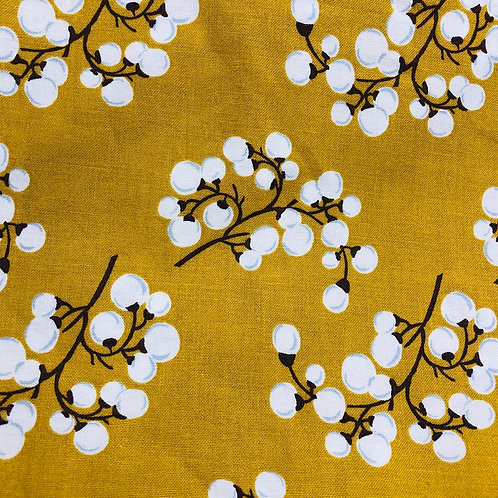 White Berries on Gold
