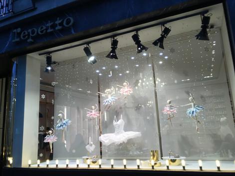 Création d'objets pour les vitrines de Noël REPETTO